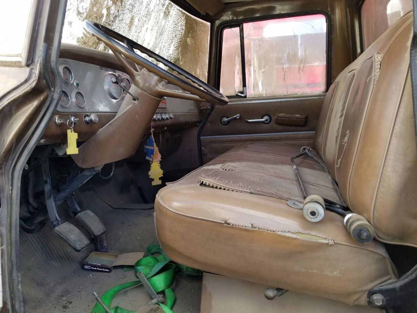 1976 International 1700 Loadstar