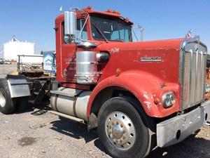 Kenworth W900A - Salvage 83117