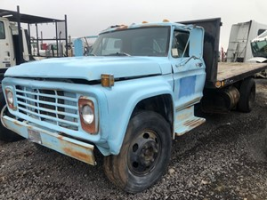 Ford F600 - Salvage 42021