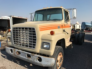 Ford L800 - Salvage 80417