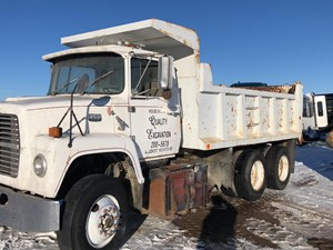 Ford L8000 - Salvage 30618