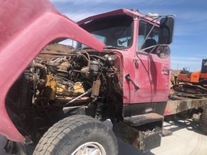 Ford L8000 - Salvage 50620