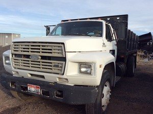 Ford F700 - Salvage 112618