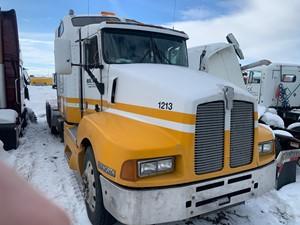 Kenworth T600 - Salvage 12120