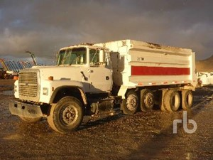 Ford LT9000 - Salvage 121319