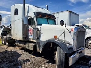Freightliner CLASSIC XL - Salvage 72119