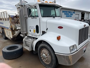 Peterbilt 330 - Salvage 41221