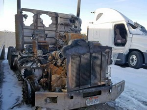Kenworth T800 - Salvage 21119