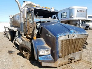 Kenworth T800 - Salvage 111419