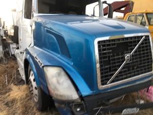 Volvo VNL - Salvage 101220