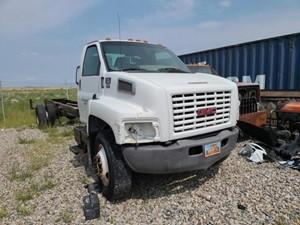GMC C7500 - Salvage 92121