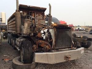 Kenworth T800 - Salvage 90617