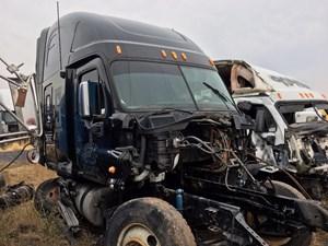 Freightliner Cascadia 125 - Salvage 62816