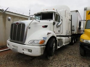 Peterbilt 386 - Salvage 20917