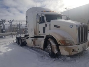 Peterbilt 386 - Salvage 11721