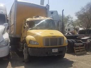 Freightliner M2 106 - Salvage 90920