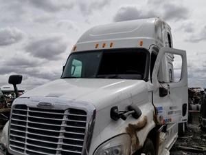Freightliner Cascadia 125 - Salvage 40218