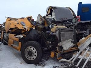 Volvo VNL - Salvage 11519