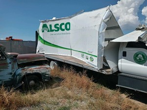 Ford F-650 - Salvage 91821