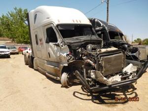Freightliner Cascadia - Salvage 71220
