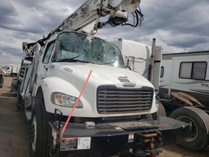 Freightliner M2 106 - Salvage 62421