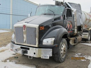 Kenworth T880 - Salvage 21121