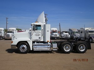 Freightliner COLUMBIA DAYCAB - Salvage 1004
