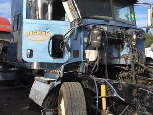Peterbilt 386 - Salvage 1324