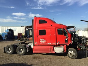 Peterbilt 387 - Salvage 1124