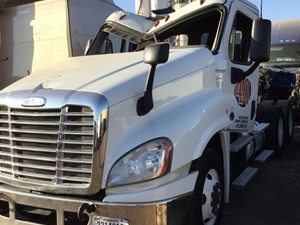 Freightliner Cascadia 125 - Salvage 1580