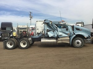 Peterbilt 579 - Salvage 1126