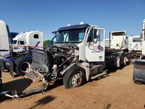 Freightliner COLUMBIA 120 - Salvage Unit-577-S