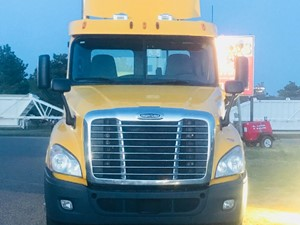 Freightliner Cascadia 125 - Complete Unit-488