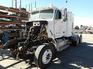 Freightliner CL-112 - Salvage 975988