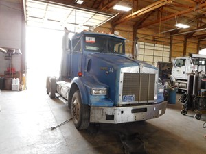 Kenworth T800 - Salvage 721822