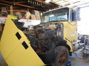 VolvoWhiteGMC WIA Areo Series - Salvage 696888