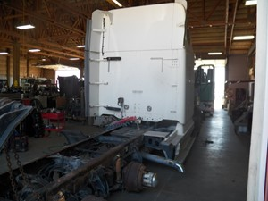Freightliner C120 - Salvage H01005