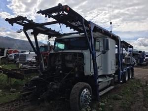 Freightliner FLD120 - Salvage G26606