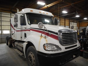 Freightliner COLUMBIA - Salvage V38961