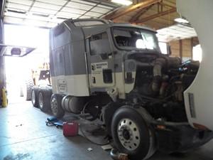 Kenworth T600 - Salvage 107621