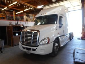 Freightliner Cascadia 125 - Salvage EB9110