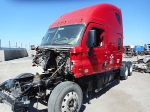 Freightliner Cascadia - Salvage GP5181