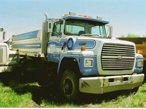 Ford L8000 - Salvage 1746-FORD