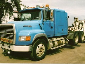 Ford LTA9000 - Salvage 1640-FORD