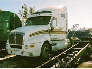 Kenworth T2000 - Salvage 1704-KW