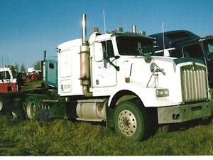 Kenworth T800B - Salvage 2176-KW