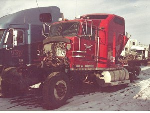 Kenworth W900 - Salvage 2759-KW