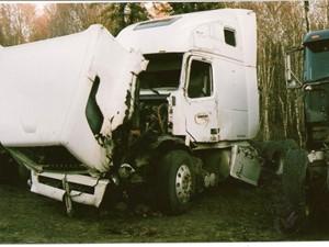 Volvo VNL630 - Salvage 1658-VOLVO