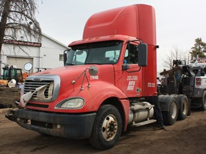 Freightliner COLUMBIA - Salvage 3262