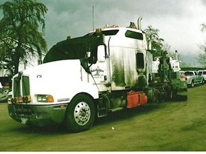 Kenworth T600 - Salvage 2506-KW